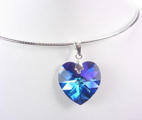 Колие от Сваровски кристал-елемент.Колие сърце за 8-ми март